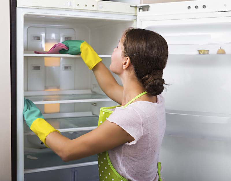 Spring Clean Your Fridge in 4 Steps